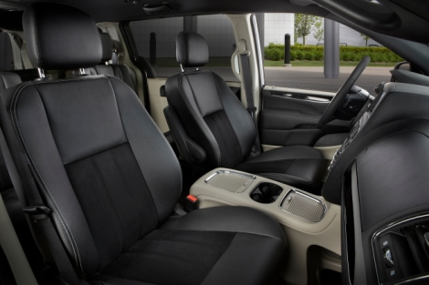 2015 Dodge Grand Caravan Interior.  Photo Credit Chrysler Media